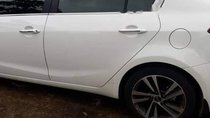 Bán Kia Cerato 2.0AT đời 2017, màu trắng, 650tr
