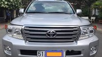Bán xe Toyota Land Cruiser đời 2013, màu bạc, nhập khẩu xe gia đình