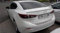Cần bán lại xe Mazda 3 đời 2018, màu trắng, xe gia đình