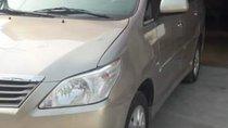 Bán Toyota Innova E đời 2013 xe gia đình