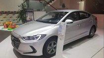 Cần bán Hyundai Elantra năm 2019, màu bạc