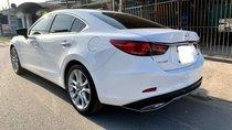 Cần bán gấp Mazda 6 2.5 đời 2017, màu trắng