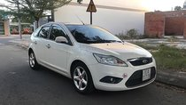 Gia đình bán xe Ford Focus 1.8 AT đời 2011, màu trắng