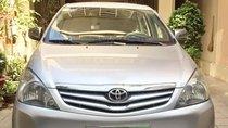 Cần bán Toyota Innova G đời 2012 màu bạc