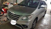 Cần bán xe Toyota Innova năm sản xuất 2015, màu bạc còn mới