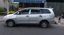 Bán xe Toyota Innova đời 2010, màu bạc số sàn, 320 triệu