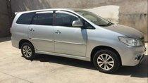 Bán Toyota Innova 2015, màu bạc số sàn, 568tr