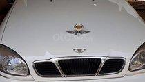 Cần bán Daewoo Lanos 1.5 MT sản xuất 2002, màu trắng, còn rất mới