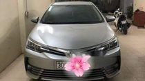 Bán lại xe Toyota Corolla altis 1.8AT 2017, màu bạc chính chủ