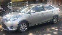 Cần bán xe Toyota Vios năm 2017, màu bạc