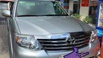 Nhà bán Toyota Fortuner năm sản xuất 2013, màu bạc