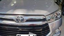 Cần bán Toyota Innova 2017, xe màu bạc