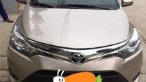 Cần bán gấp Toyota Vios năm sản xuất 2015, màu vàng