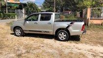 Cần bán lại xe Toyota Hilux 2.5 đời 2009, màu bạc như mới, giá tốt