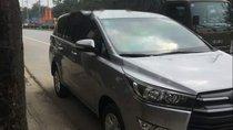 Bán xe Toyota Innova E sản xuất năm 2017, màu bạc xe gia đình