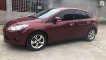 Cần bán Ford Focus sản xuất năm 2013, màu đỏ còn mới