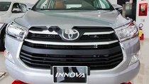 Cần bán xe Toyota Innova đời 2019, màu bạc