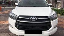 Cần bán Toyota Innova E 2018, màu trắng
