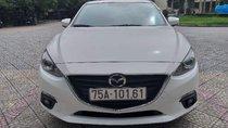 Cần bán xe Mazda 3 sản xuất 2017, màu trắng, nhập khẩu