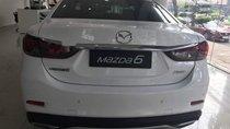 Cần bán xe Mazda 6 2.0 năm sản xuất 2018, màu trắng, giá tốt