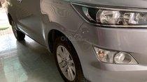 Bán ô tô Toyota Innova sản xuất năm 2017, màu bạc xe gia đình
