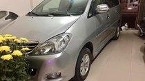 Cần bán Toyota Innova đời 2008, màu bạc còn mới