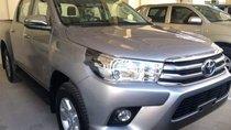 Bán xe Toyota Hilux 2.4G 2017, màu xám, nhập khẩu, số sàn
