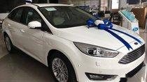 Bán Ford Focus sản xuất năm 2018, màu trắng, giá tốt