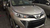 Cần bán Toyota Vios G AT đời 2018, màu vàng