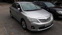 Cần bán xe Toyota Corolla Altis 1.8 đời 2013, màu bạc chính chủ
