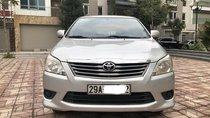 Cần bán xe Toyota Innova MT sản xuất năm 2013, màu bạc, giá tốt