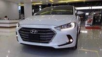 Cần bán xe Hyundai Elantra đời 2019, màu trắng, giá tốt