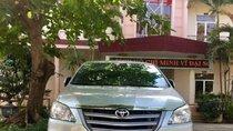 Cần bán xe Toyota Innova MT năm sản xuất 2014, màu bạc, ngoại nội thất đẹp