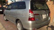 Cần bán lại xe Toyota Innova năm 2015, màu bạc, số sàn giá cạnh tranh