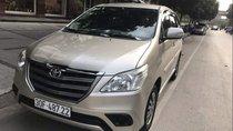 Bán ô tô Toyota Innova E đời 2015 chính chủ