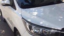 Cần bán lại xe Toyota Innova 2017, màu trắng chính chủ