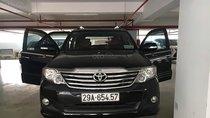 Cần bán xe Toyota Fortuner 2.7V 4x2 AT sản xuất năm 2012, màu đen
