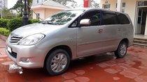 Cần bán lại xe Toyota Innova G sản xuất năm 2011, màu bạc