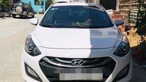 Cần bán Hyundai i30 2015, màu trắng, xe nhập