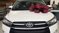 Bán xe Toyota Innova đời 2019, màu trắng, giá 771tr