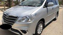 Cần bán xe Toyota Innova 2014, màu bạc số sàn, giá chỉ 539 triệu