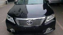 Bán xe Toyota Camry 2.0E 2012, màu đen còn mới, giá 700tr