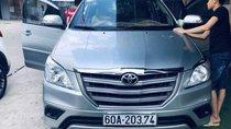 Cần bán Toyota Innova sản xuất năm 2015, màu bạc, xe nhập còn mới
