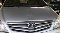 Cần bán lại xe Toyota Innova G đời 2010, màu bạc, xe nhập