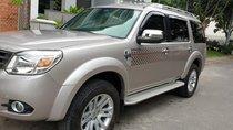 Bán Ford Everest Limited 2.5 AT máy dầu, số tự động, đời cuối 2014 màu ghi vàng, mới 90% đẹp