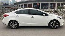 Bán xe Kia K3 2015, màu trắng số tự động giá cạnh tranh