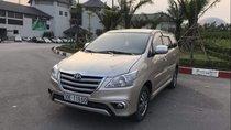 Bán Toyota Innova 2.0E đời 2015, màu vàng cát