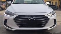 Cần bán xe Hyundai Elantra 2.0AT đời 2019, màu trắng giá tốt, KM hấp dẫn