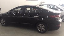 Cần bán xe Hyundai Elantra 1.6 MT năm 2018, màu đen, giá chỉ 530tr