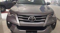 Bán Toyota Fortuner 2.4G số sàn, máy dầu, màu bạc, nhập khẩu